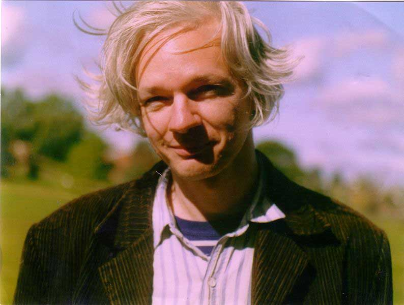 Das smarte Lächeln des mörderischen Teufels - Julian Assange