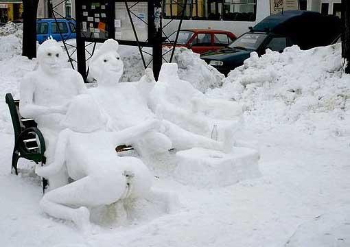 figuren aus schnee